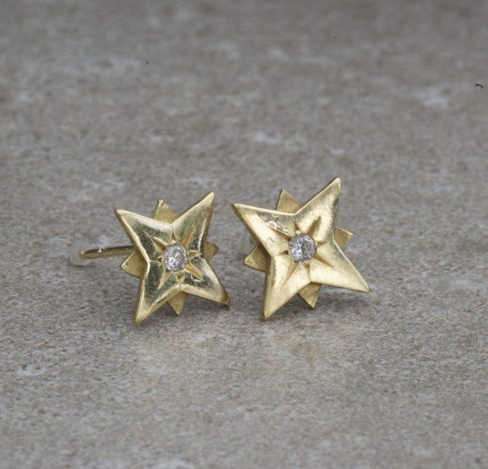 עגילי כוכב צמודים זהב ויהלומים