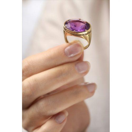 טבעת זהב מרשימה