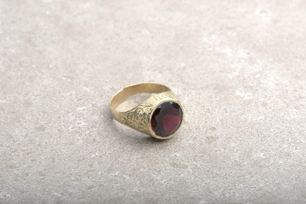טבעת מעוצבת לזרת