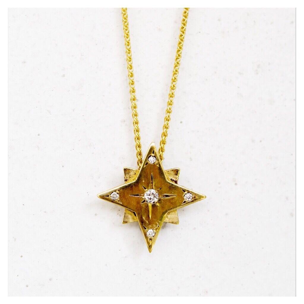 שרשרת זהב עם תליון מעוצב