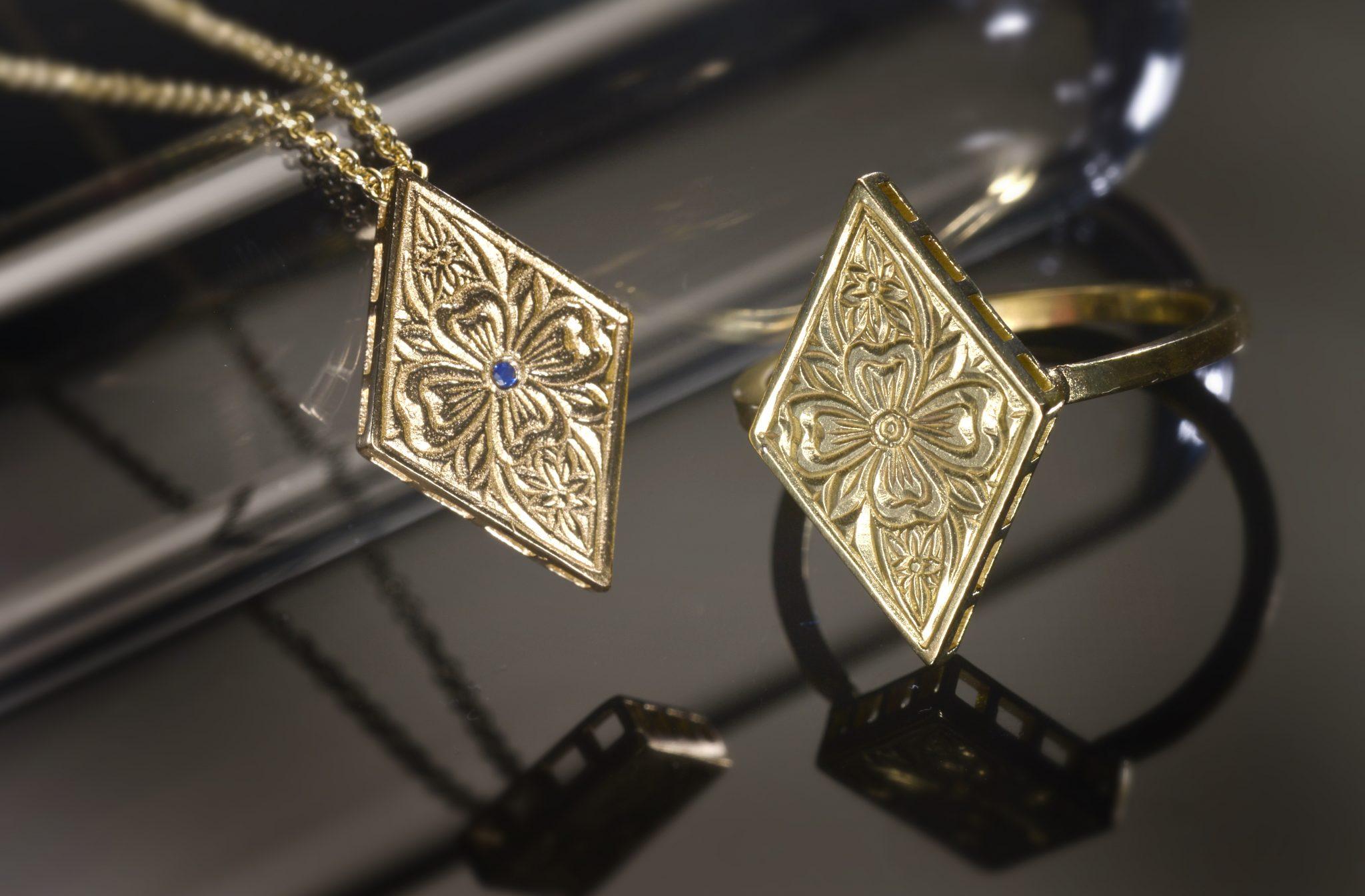 תכשיטי זהב בסגנון וינטאג'