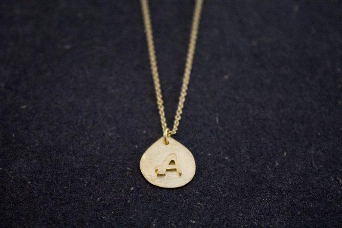 שרשרת זהב עם תליון אישי