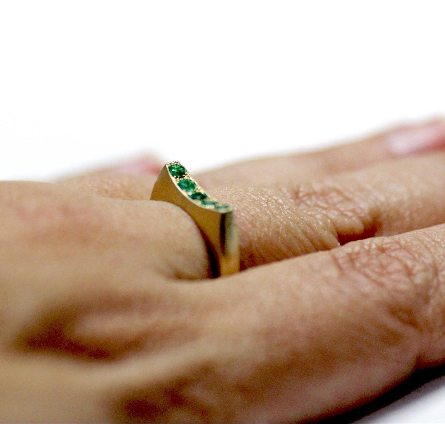טבעת זהב אמרלד