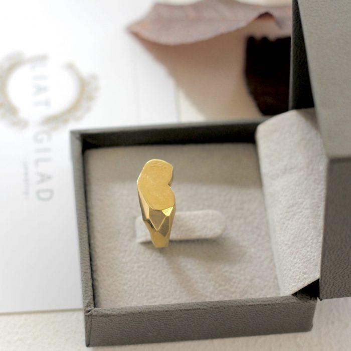 טבעת חותם מזהב