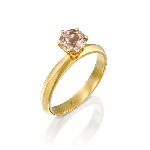 טבעת עם אבן מורגנייט