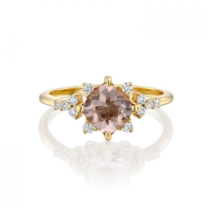טבעת עם אבן ורודה