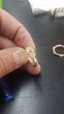 יהלום נופל מטבעת