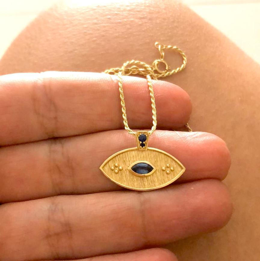 שרשרת זהב עין כחולה