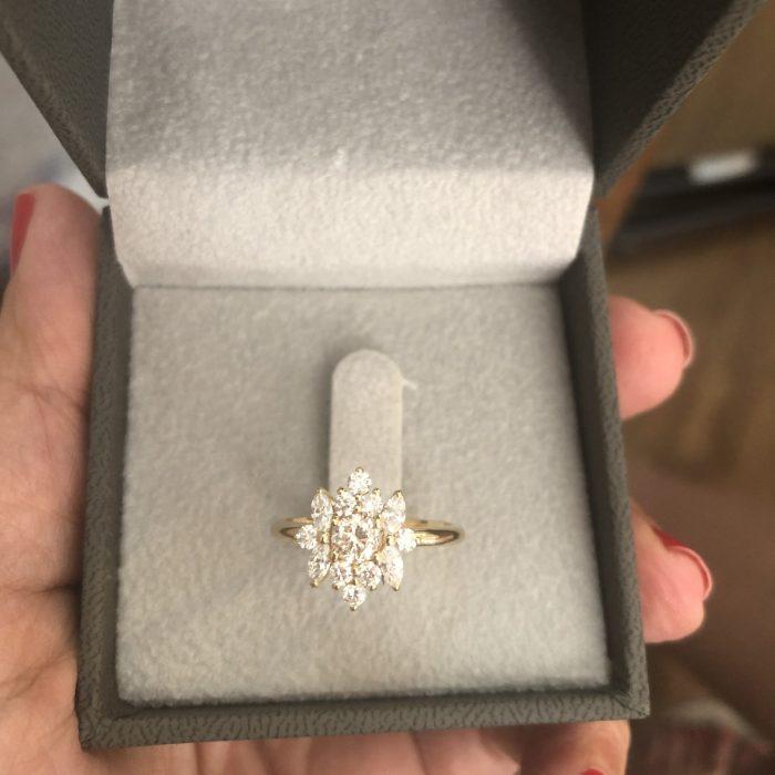טבעת אירוסין פרח יהלומים