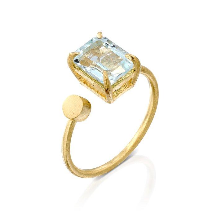 טבעת זהב עם אקוומרין