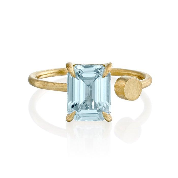 טבעת זהב עם אבן אקוומרין