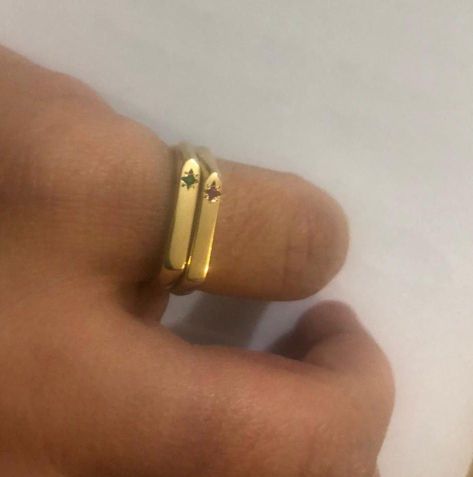 טבעת לזרת עם אבן לידה