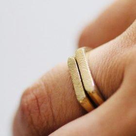 טביעת אצבע על טבעת